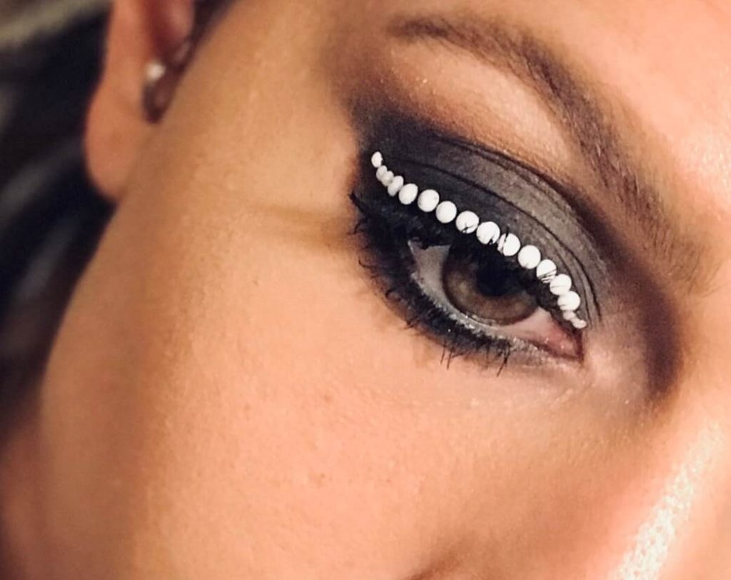 Idea make-up occhi con pietre e strass - Crystal Stones